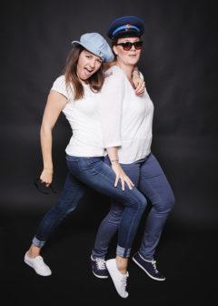 Fotoparty 2 Beste Freundinnen machen Quatsch JGA Frauen